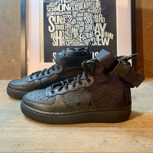 NEW Nike Air Force 1 SF  Black 7.5 / RL